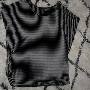 Striped loose fitted shirt.